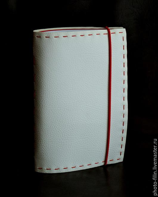 Блокноты ручной работы. Ярмарка Мастеров - ручная работа. Купить Блокнот ручной работы из искусственной кожи. Handmade. Белый