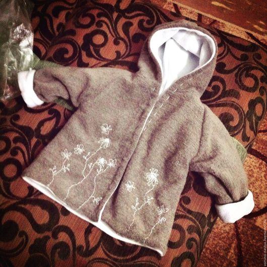 Одежда для девочек, ручной работы. Ярмарка Мастеров - ручная работа. Купить Детская курточка с ручной вышивкой. Handmade. Курточка