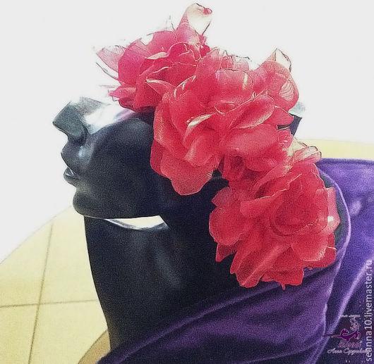 Диадемы, обручи ручной работы. Ярмарка Мастеров - ручная работа. Купить Ободок с красными розами - воздушный, из нескольких фактур ткани. Handmade.