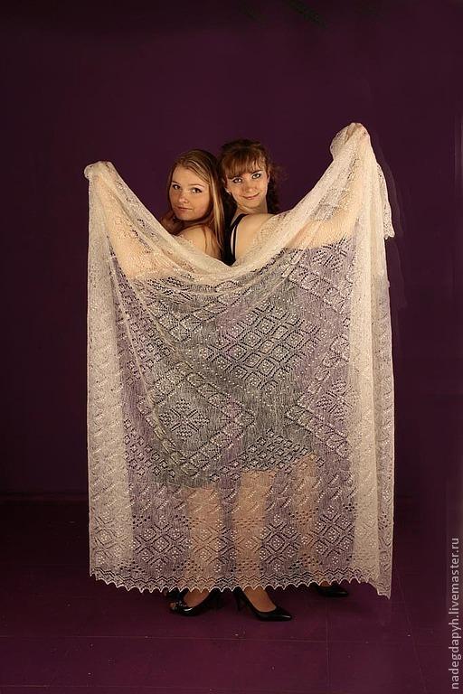 Шали, палантины ручной работы. Ярмарка Мастеров - ручная работа. Купить 56- пуховый платок паутинка Два метра красоты пуховая шаль. Handmade.
