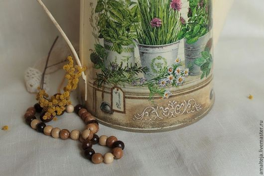 Замечательное лето - всякие розмаринчики, цветущий лук, ромашки... Стрекочут кузнечики и порхают бабочки. Вот такая эта лейка, она пахнет лугом, солнцем, счастьем.  Купить лейку в прованском стиле