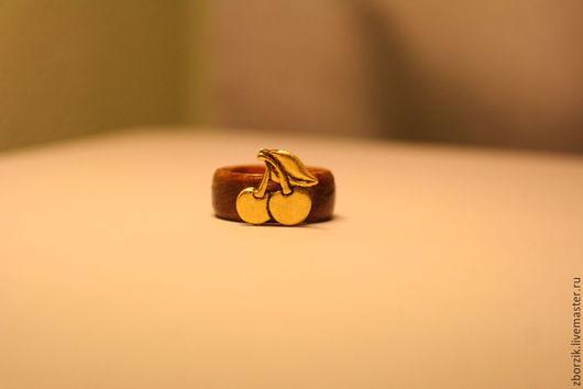 Кольца ручной работы. Ярмарка Мастеров - ручная работа. Купить Вишенки. Handmade. Подарок девушке, обрачальные кольца, кольцо из дерева