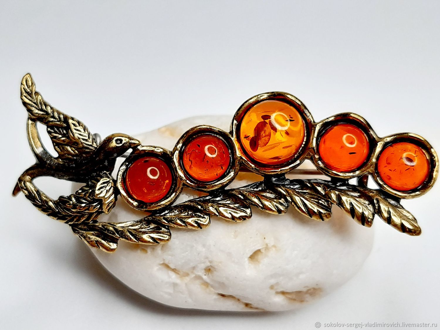 The brooch is a Sprig of Currant with a bird, Brooches, Moscow,  Фото №1