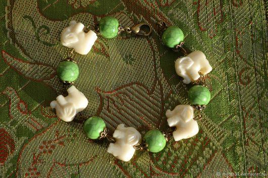 Серьги ручной работы. Ярмарка Мастеров - ручная работа. Купить браслет. Handmade. Зеленый, бронза, пластик, цинковый сплав, акрил