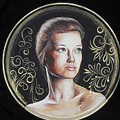 Подарки к праздникам ручной работы. Ярмарка Мастеров - ручная работа сувенирная тарелочка с портретом. Handmade.