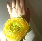 Украшения ручной работы. Ярмарка Мастеров - ручная работа желтая роза украшение на руку. Handmade.