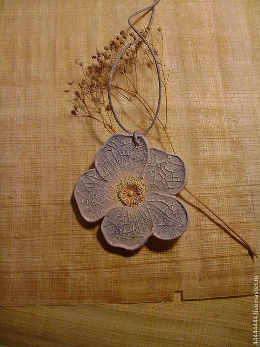 Кулоны, подвески ручной работы. Ярмарка Мастеров - ручная работа. Купить Кулон  цветок Керамика. Handmade. Кулон, подарок девушке
