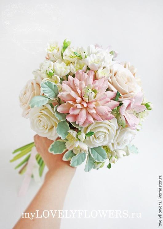 Свадебные цветы ручной работы. Ярмарка Мастеров - ручная работа. Купить Букет невесты в персиково-розовых оттенках из полимерной глины. Handmade.