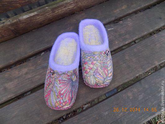 """Обувь ручной работы. Ярмарка Мастеров - ручная работа. Купить Тапочки """"Разноцветные"""". Handmade. Комбинированный, подарок на новый год"""