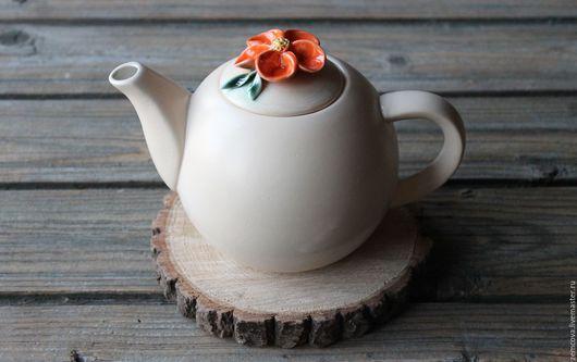 """Чайники, кофейники ручной работы. Ярмарка Мастеров - ручная работа. Купить Чайник """"Цветы"""" №6. Handmade. Бежевый, чайник из глины"""