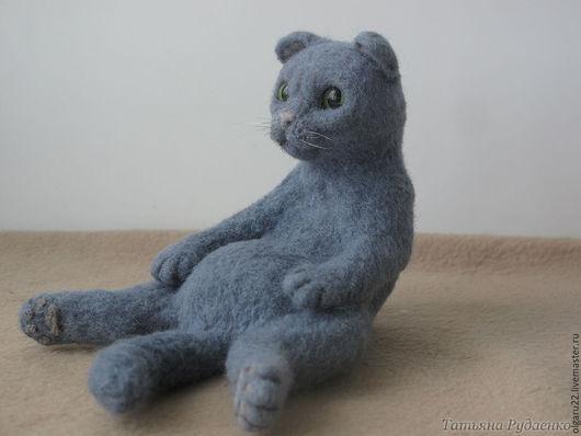 Игрушки животные, ручной работы. Ярмарка Мастеров - ручная работа. Купить Вислоухий задумчивый кот. Handmade. Серый, котик, задумчивый