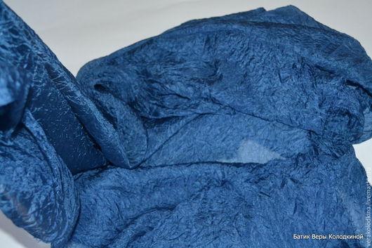 """Шали, палантины ручной работы. Ярмарка Мастеров - ручная работа. Купить Шелковый платок """"Синий"""" большой. Handmade. Синий, как повязать платок"""