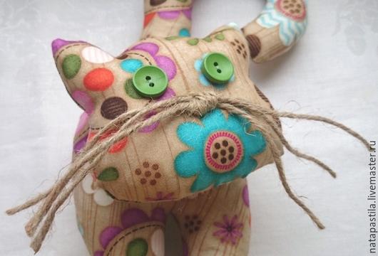 Игрушки животные, ручной работы. Ярмарка Мастеров - ручная работа. Купить Текстильная интерьерная игрушка-Кошечка. Handmade. Интерьерная игрушка