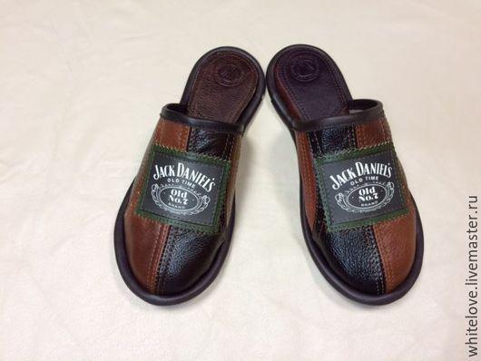 """Обувь ручной работы. Ярмарка Мастеров - ручная работа. Купить Кожаные тапочки """" Джек Дениалс - black"""". Handmade. Комбинированный"""
