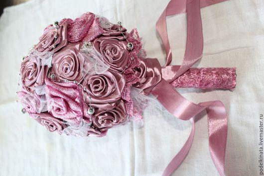 Свадебные цветы ручной работы. Ярмарка Мастеров - ручная работа. Купить Свадебный букет ( дублер). Handmade. Цветы из лент