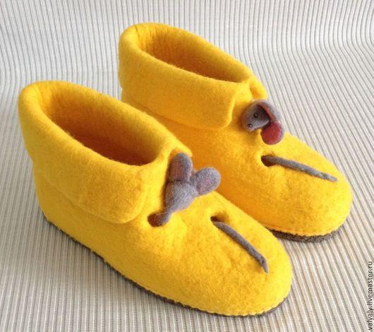 """Обувь ручной работы. Ярмарка Мастеров - ручная работа. Купить домашние валяные валеночки """"Кто сьел сыр"""" сделаю на заказ. Handmade."""