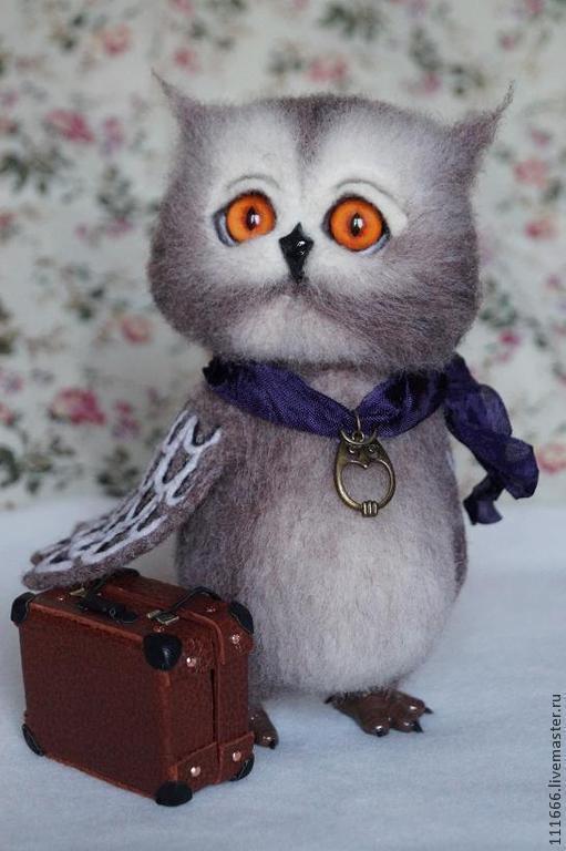 """Игрушки животные, ручной работы. Ярмарка Мастеров - ручная работа. Купить Войлочная игрушка""""Совёнок-путешественник"""". Handmade. Коричневый, игрушка сова"""