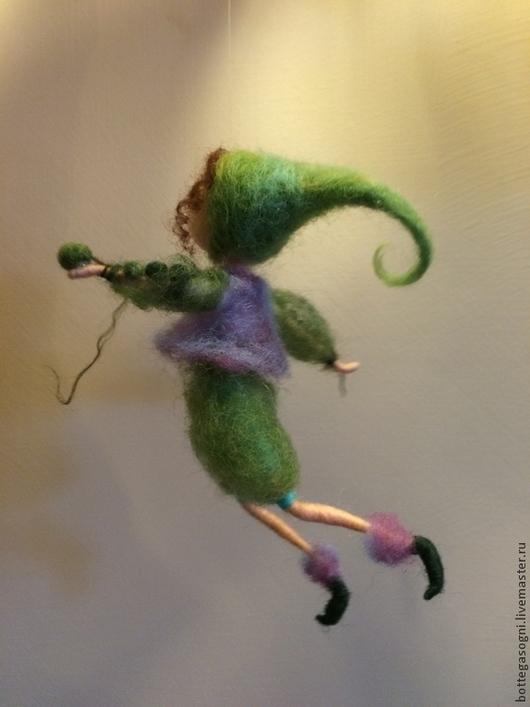 """Подвески ручной работы. Ярмарка Мастеров - ручная работа. Купить Сказочный человечек """"Горошина"""". Handmade. Зеленый, фелтинг, статуэтка"""