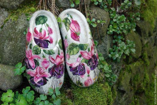 Обувь ручной работы. Ярмарка Мастеров - ручная работа. Купить Тапочки «Фуксия». Handmade. Тапочки валяные, шерсть 100 %