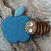 Куклы и игрушки ручной работы. Ярмарка Мастеров - ручная работа AppleГРЫЗ таракан )) (брошь или магнит). Handmade.