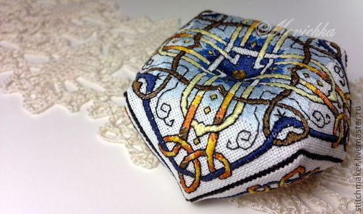 """Вышивка ручной работы. Ярмарка Мастеров - ручная работа. Купить Бискорню-игольница """"Византия"""". Handmade. Белый, Вышивка гладью, Бискорню"""