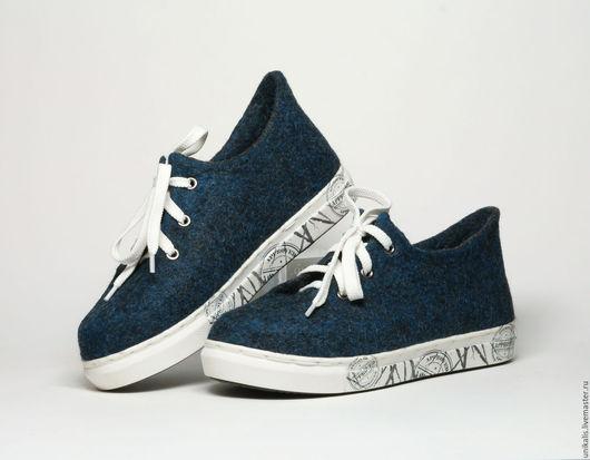 """Обувь ручной работы. Ярмарка Мастеров - ручная работа. Купить Валяные кеды """"Деним"""". Handmade. Тёмно-синий, валяная обувь"""