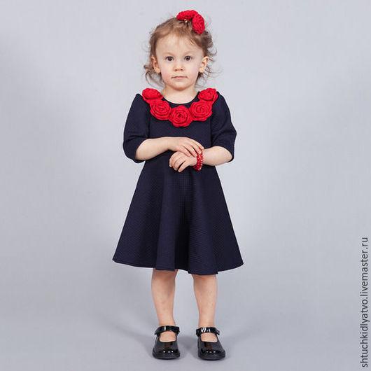 Одежда для девочек, ручной работы. Ярмарка Мастеров - ручная работа. Купить Платье из фактурного трикотажа с красными розами. Handmade. розы