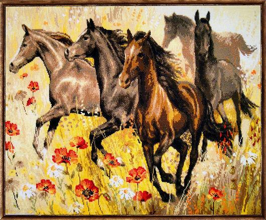 Животные ручной работы. Ярмарка Мастеров - ручная работа. Купить Табун лошадей. Handmade. Бежевый, лошади, вышитые картины