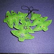 Подарки к праздникам ручной работы. Ярмарка Мастеров - ручная работа Ёлочные игрушки из фетра. Handmade.