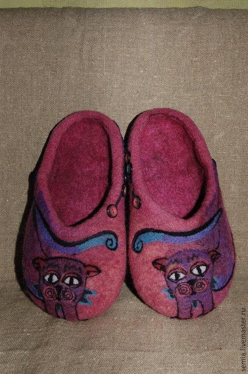 """Обувь ручной работы. Ярмарка Мастеров - ручная работа. Купить Домашние тапочки  """"Cats"""". Handmade. Фуксия, натуральная замша"""