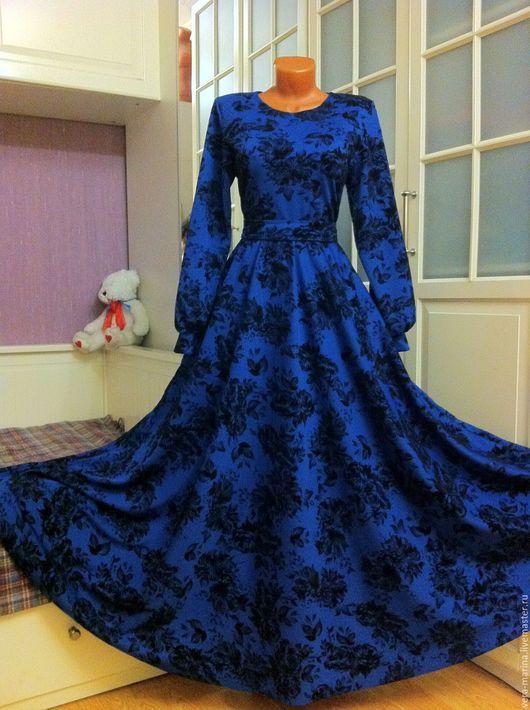 Платья ручной работы. Ярмарка Мастеров - ручная работа. Купить Осеннее трикотажное платье в пол Скарлетт (синее). Handmade. Цветочный