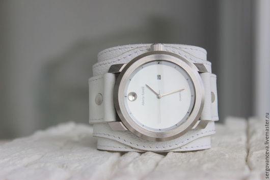 """Часы ручной работы. Ярмарка Мастеров - ручная работа. Купить Часы наручные  """" White"""". Handmade. Часы на браслете"""