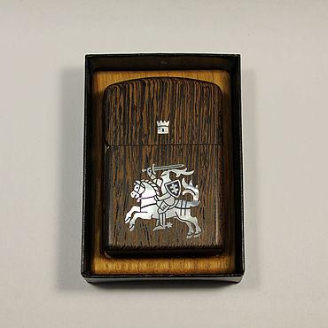Сувениры и подарки ручной работы. Ярмарка Мастеров - ручная работа Зажигалка зиппо с футляром из венге и с инк перл Рыцарь. Handmade.
