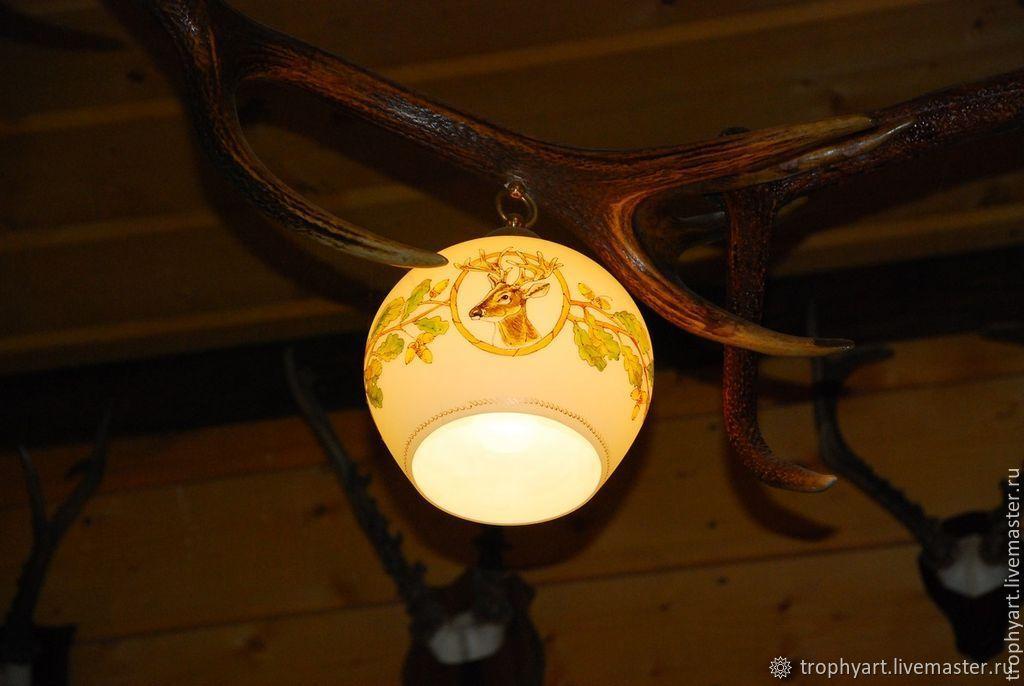 светильники из оленьих рогов фото признаком, которому
