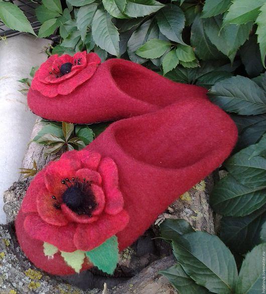 Обувь ручной работы. Ярмарка Мастеров - ручная работа. Купить Маки с листиками. Handmade. Ярко-красный, тапочки для дома