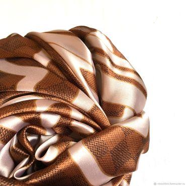 Аксессуары ручной работы. Ярмарка Мастеров - ручная работа Натуральный шёлковый платок из ткани Louis Vuitton.2. Handmade.