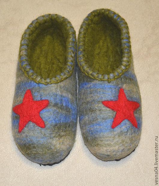 """Обувь ручной работы. Ярмарка Мастеров - ручная работа. Купить Валяные вручную тапочки """" Защитник отечества """" 100% шерсть. Handmade."""
