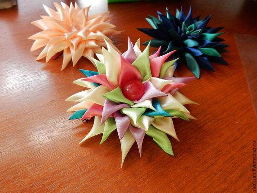 """Заколки ручной работы. Ярмарка Мастеров - ручная работа. Купить Заколка """"Фейерверк"""" (канзаши). Handmade. Яркий, цветной, радуга, фейерверк"""