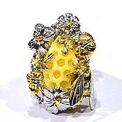 """Украшения ручной работы. Ярмарка Мастеров - ручная работа """"Медовое лето"""" кольцо с резным янтарем, цветами и пчелой. Handmade."""