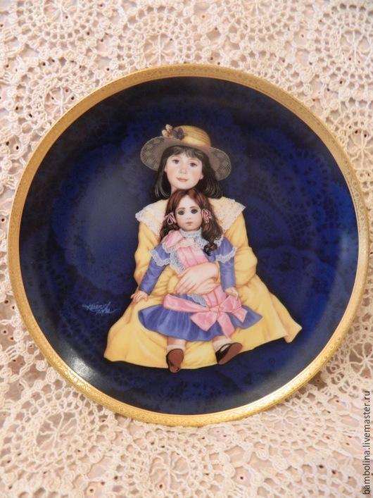 """Винтажная посуда. Ярмарка Мастеров - ручная работа. Купить Коллекционная фарфоровая тарелка """"Жаклин и Эйми"""". Handmade. Коллекционная тарелка"""