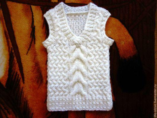 """Одежда для девочек, ручной работы. Ярмарка Мастеров - ручная работа. Купить Жилеточка """"Воздушная"""". Handmade. Белый, жилетка, жилет вязаный"""