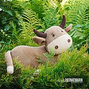 Куклы и игрушки ручной работы. Ярмарка Мастеров - ручная работа Буренок Му-у-у, подушка-игрушка. Handmade.