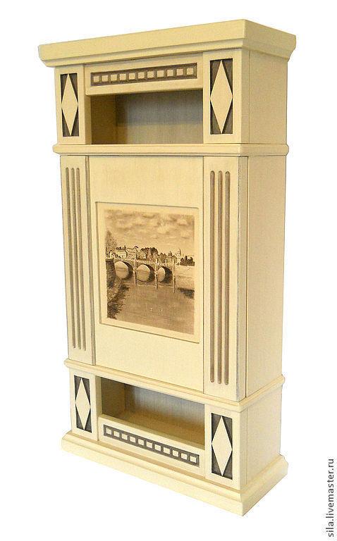 Шкафчик или ключница с резьбой, отлично впишется в классический интерьер Вашей квартиры. Мебель на заказ. Мебель ручной работы.