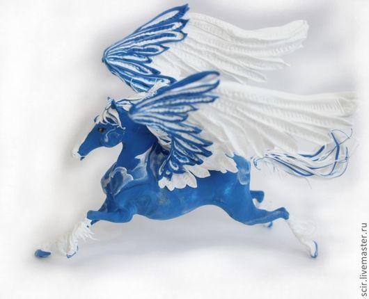 """Сказочные персонажи ручной работы. Ярмарка Мастеров - ручная работа. Купить фигурка """"Пегас зимней сказки"""" (синий с белым). Handmade."""