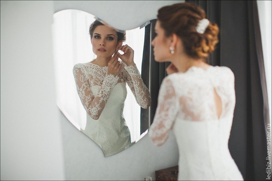 Fitted Style Ivory Lace Wedding Dress with Long Lace Sleeves L38 ...