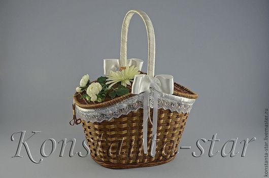 Корзина с цветами роз и герберой  1400 руб