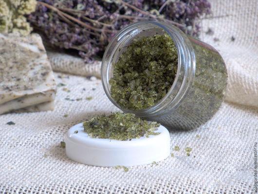 Скраб ручной работы. Ярмарка Мастеров - ручная работа. Купить Соляной скраб Садовый лекарь для тела, с травами, гидрофильный. Handmade.
