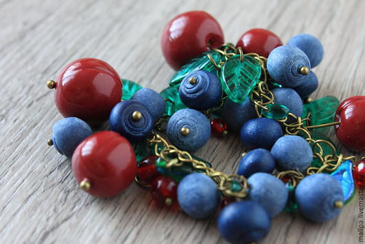 """Браслеты ручной работы. Ярмарка Мастеров - ручная работа. Купить Браслет """"Ягодный вишневый"""" (вишня, черника, голубика). Handmade. Вишня"""