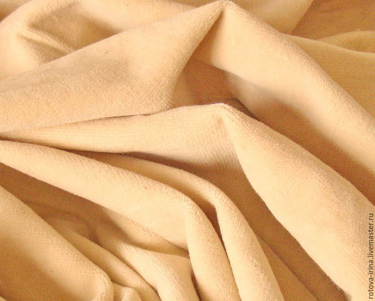 Плюш винтажный -100% хлопок,  матовый, телесного( среднее между сливочным и цветом чуть подвареной сгущёнки) цвета , выпускался Краснодарским ХБК (хлопчато-бумажный комбинат) как обивочная ткань.
