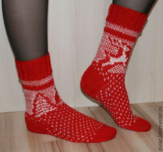 """Носки, Чулки ручной работы. Ярмарка Мастеров - ручная работа. Купить вязаные носки """"Рождество"""". Handmade. Ярко-красный, заказать"""
